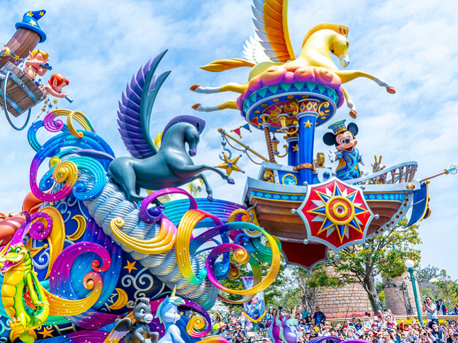 【ドリーミング・アップ!】ディズニーランドのパレードが再開!開催スケジュール&鑑賞場所まとめ!