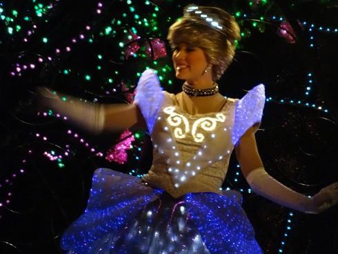 ドレスはなぜ青い?ディズニープリンセスシンデレラの秘密や体重、ストーリー