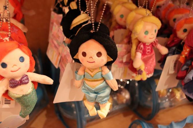 【最新】ディズニー35周年「新イッツ・ア・スモールワールド」グッズ22選!プリンセスがドールになって登場!