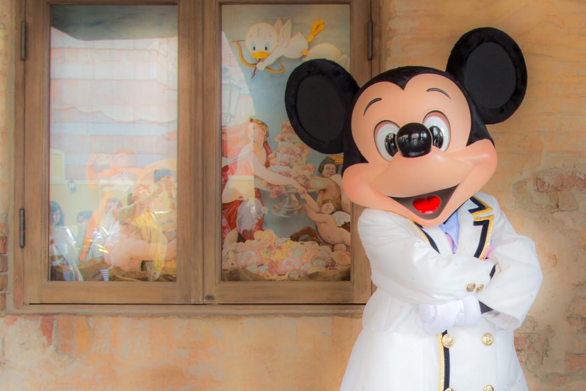 【ディズニーの歴史】年表形式で振り返るディズニーランド&シー!35周年までの歩み