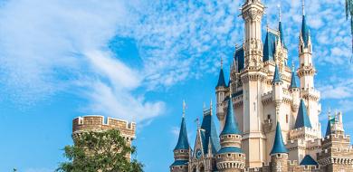 【ディズニーランド】シンデレラ城を徹底解説!アトラクション&ショップや開催ショーまとめ!トリビアも!