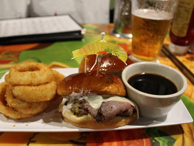 【ハワイ】ワイキキのおすすめレストラン6選!全店実食レポあり!有吉の夏休み2019のロケ場所も♪