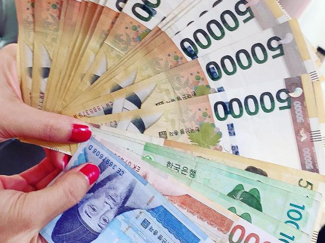 【韓国】おすすめ両替所を現地レポ!レート&手数料がお得なのは明洞!空港、コンビニ、ATMのウォンは?
