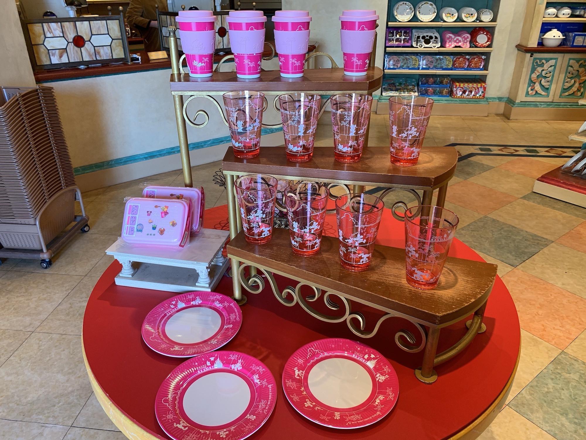 【2018】ディズニー食器42選 !お茶碗、お椀、お皿にどんぶりや湯呑みが種類豊富に発売中!