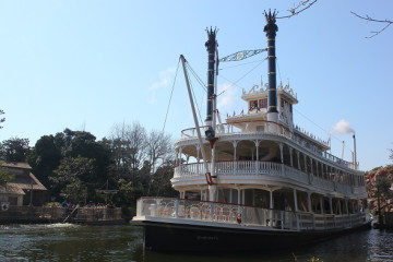 【待ち時間も】蒸気船マークトウェイン号徹底解説!ディズニー35周年限定仕様に!