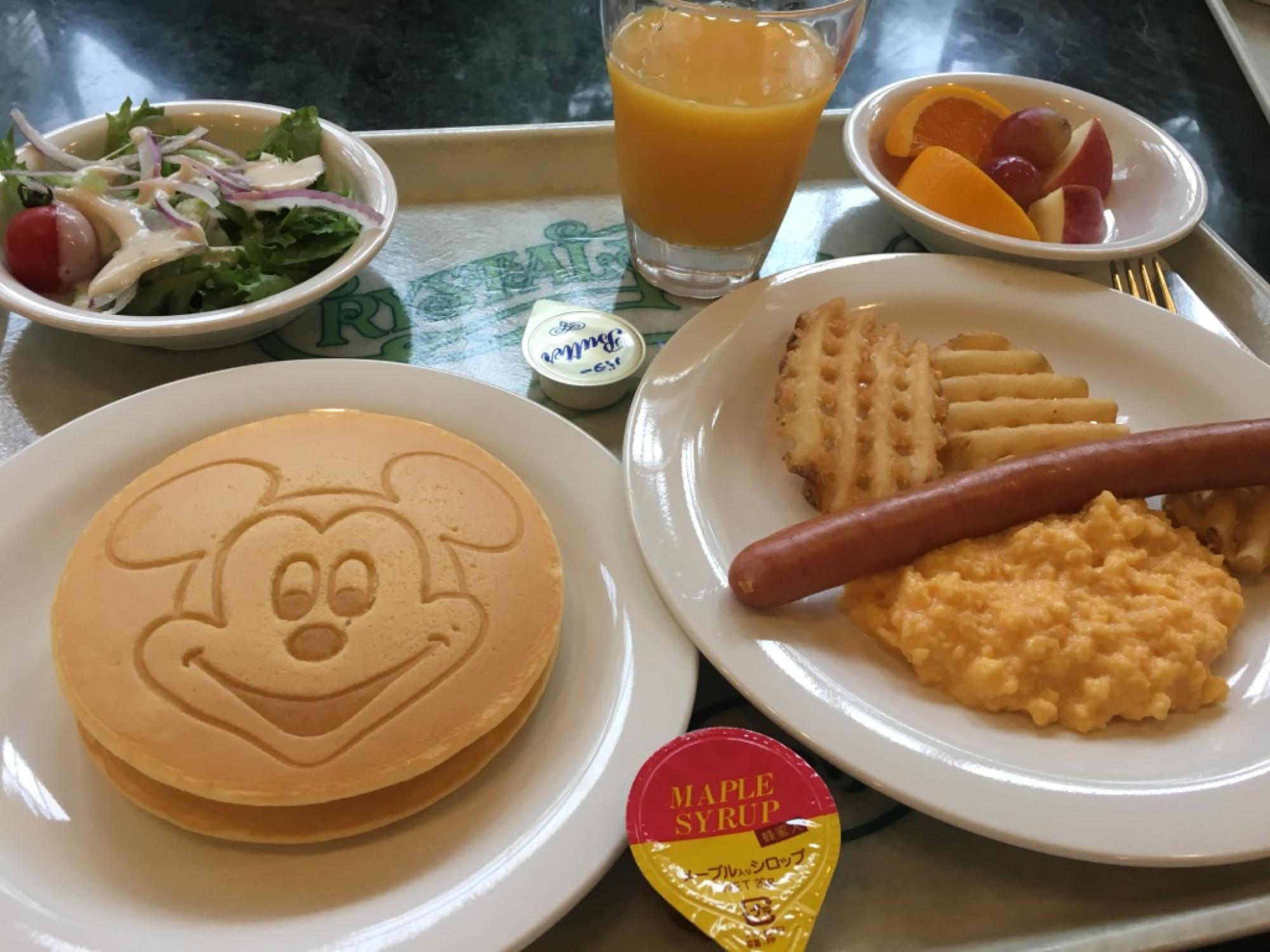 クリスタルパレス・レストランの朝食セット
