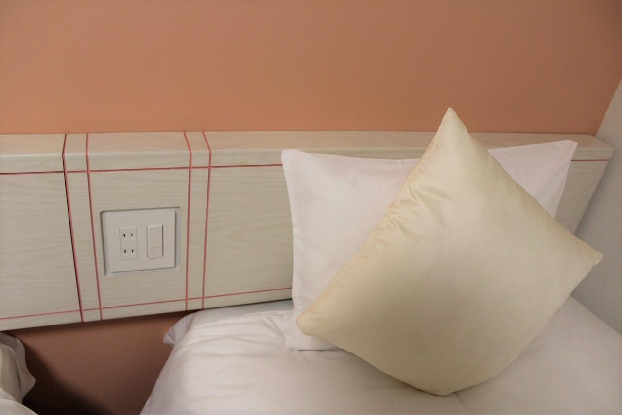 枕元に充電環境もばっちり