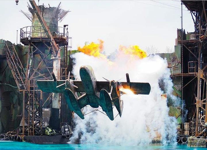 USJ「ウォーターワールド」のプロペラ機落下シーン