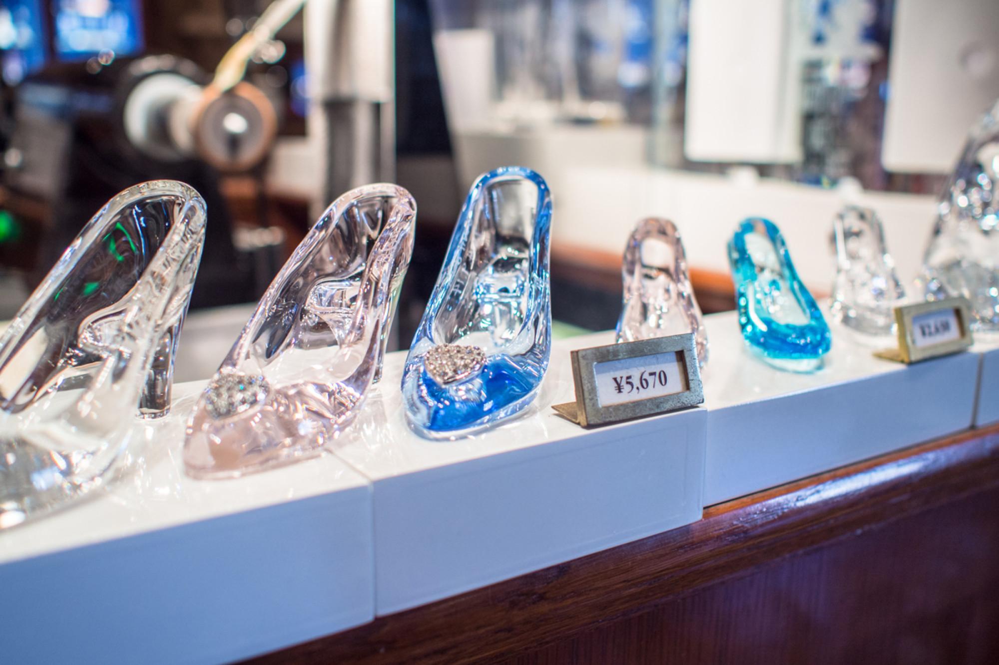 パークで買えるガラスの靴