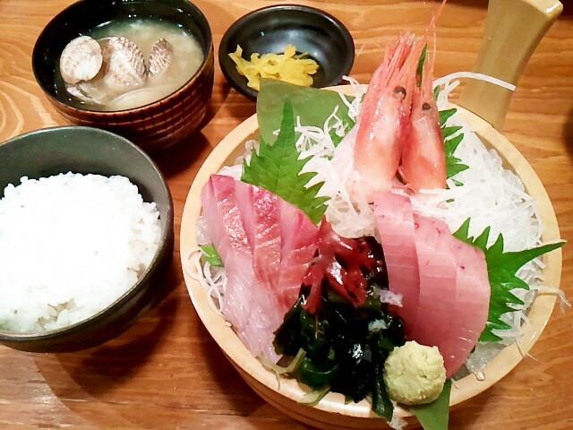 日本各地にはおいしい食べ物がいっぱい